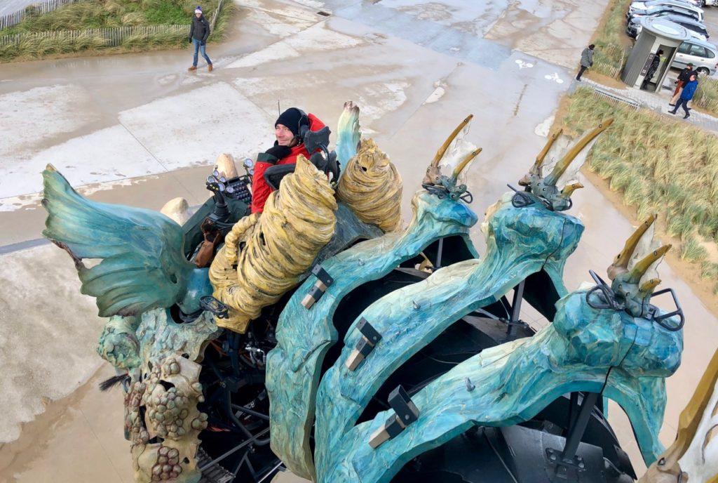 Calais-Dragon-front-de-mer-tete-vue-de-haut
