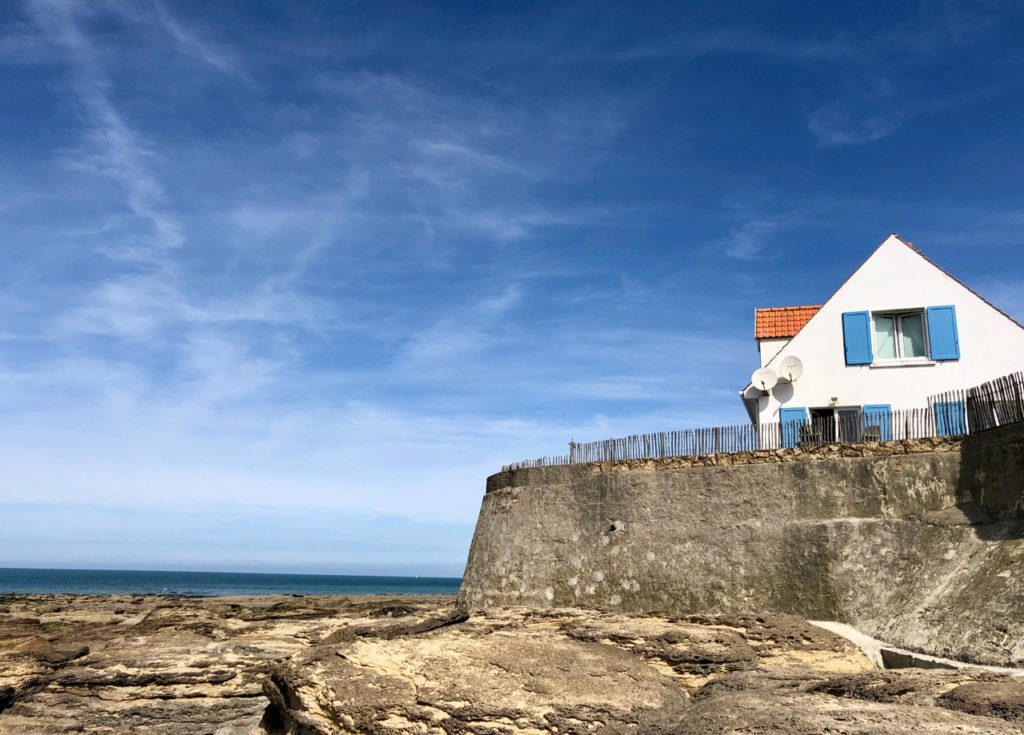 Plages-Pas-de-Calais-Audresselles-maison-isolee-face-mer