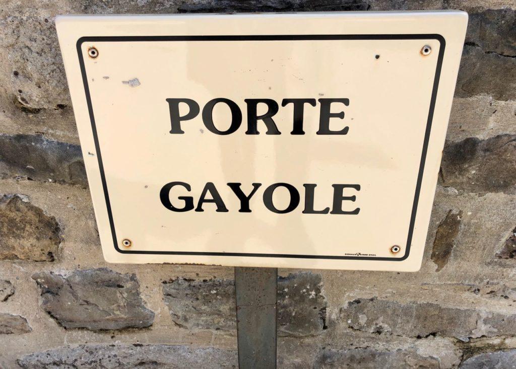 Boulogne-sur-Mer-en-plein-air-promenade-remparts-porte-gayole