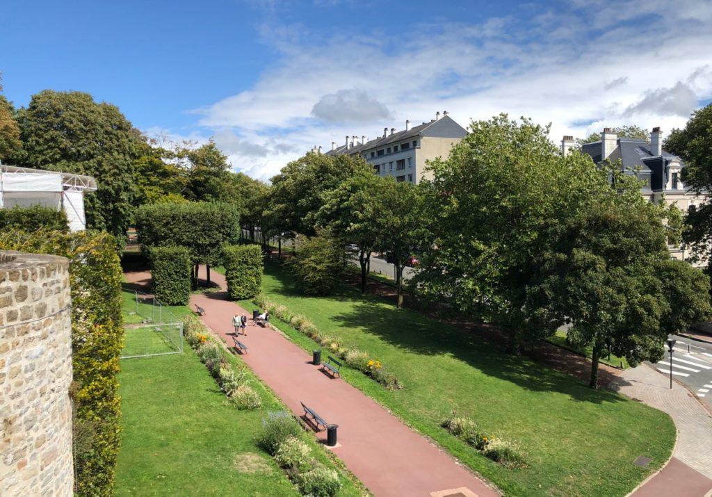 Boulogne-sur-Mer-grand-air-rempart-niveau-porte-Gayole