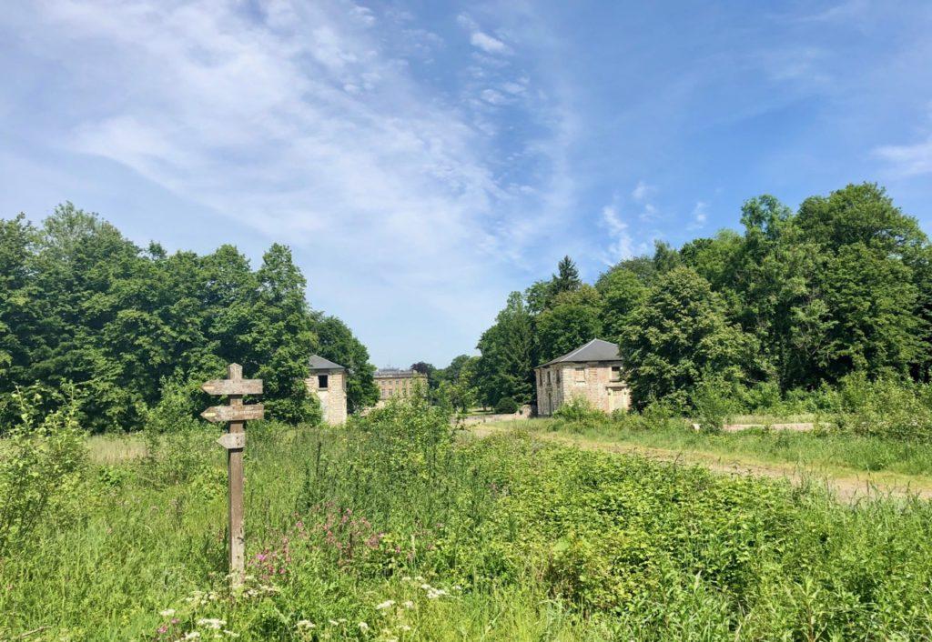 Conde-sur-l-Escaut-balade-chateau-Hermitage-vu-de-loin