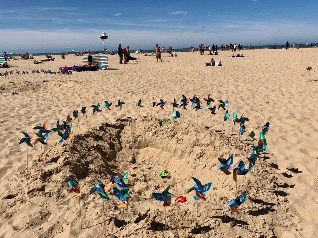 Cote belge Ostende plage petits moulins