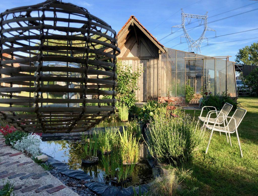 Herbes-folles-Steenwerck-jardin-et-bassin