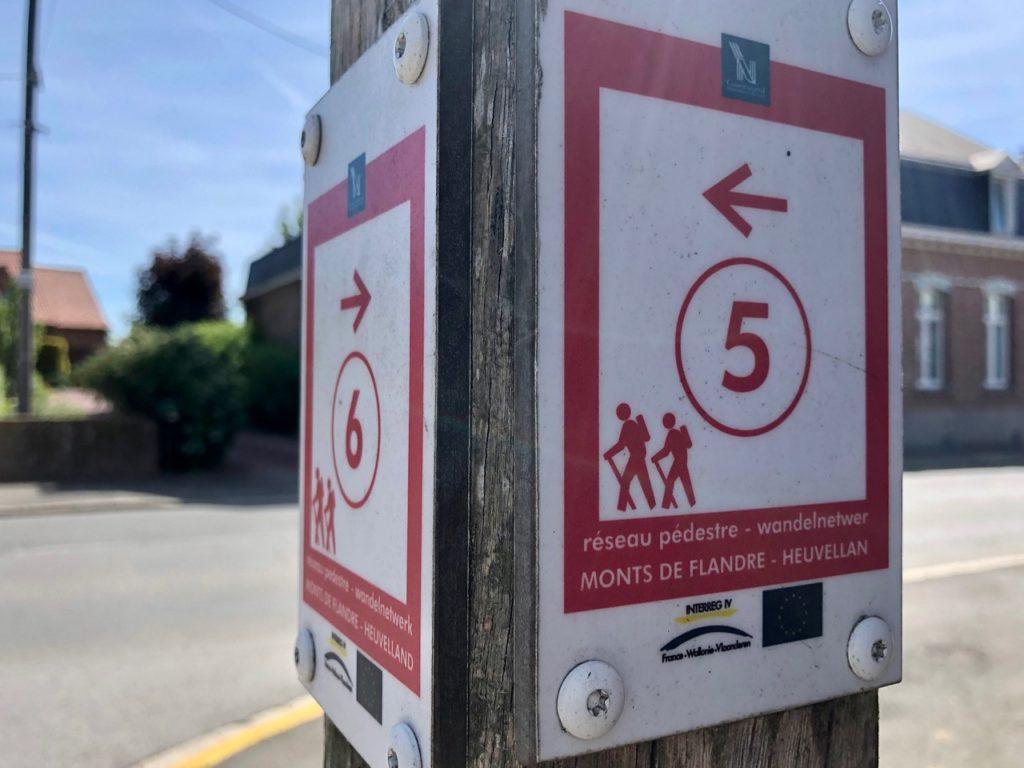 Saint-Jans-Cappel-sentier-des-Jacinthes-panneau-points-noeuds