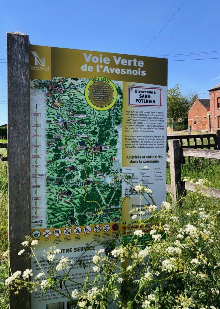 Voie-verte-de-l-Avesnois-panneau-accueil-Sars-Poteries