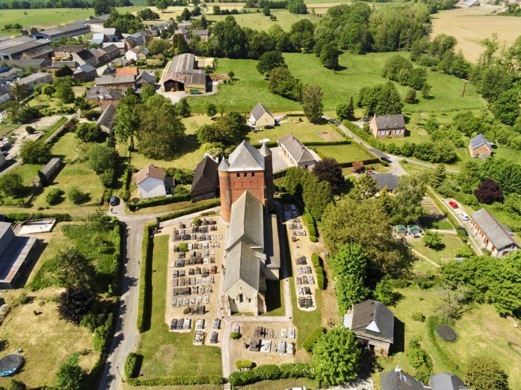 Eglise Saint-Médard Prisces Aisne vue au drone