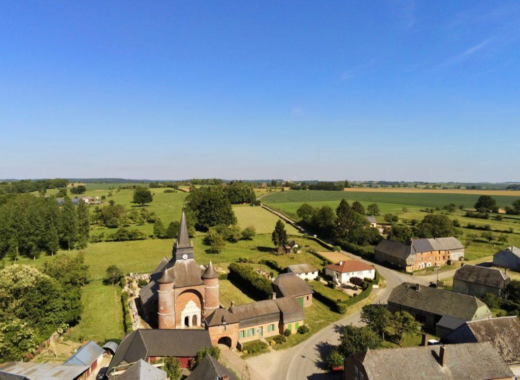 Eglise Saint-Médard Parfondeval et campagne vues au drone