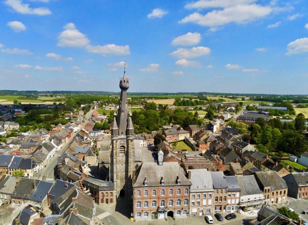 Eglise de Solre-le-Chateau Nord vue au drone