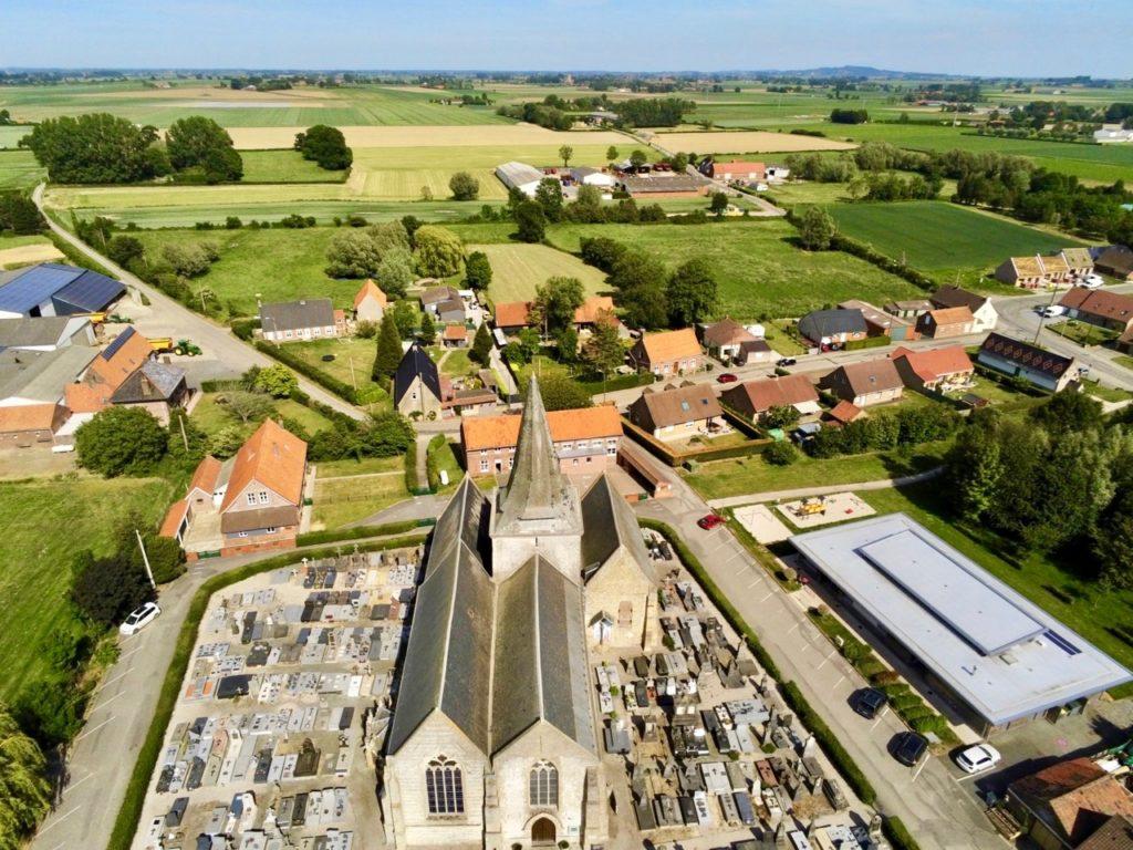 Eglise Volckerinckhove vue au drone