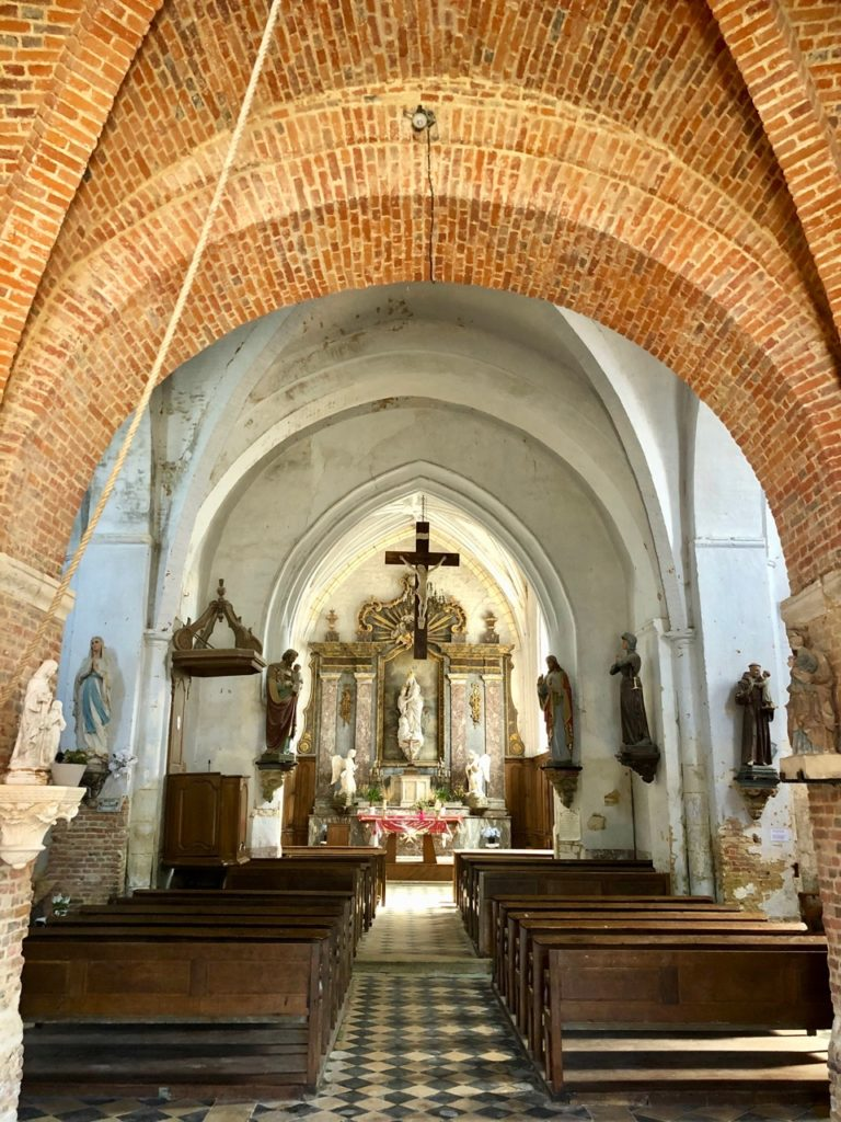 Eglises-fortifiees-Thierache-Burelles-interieur-eglise