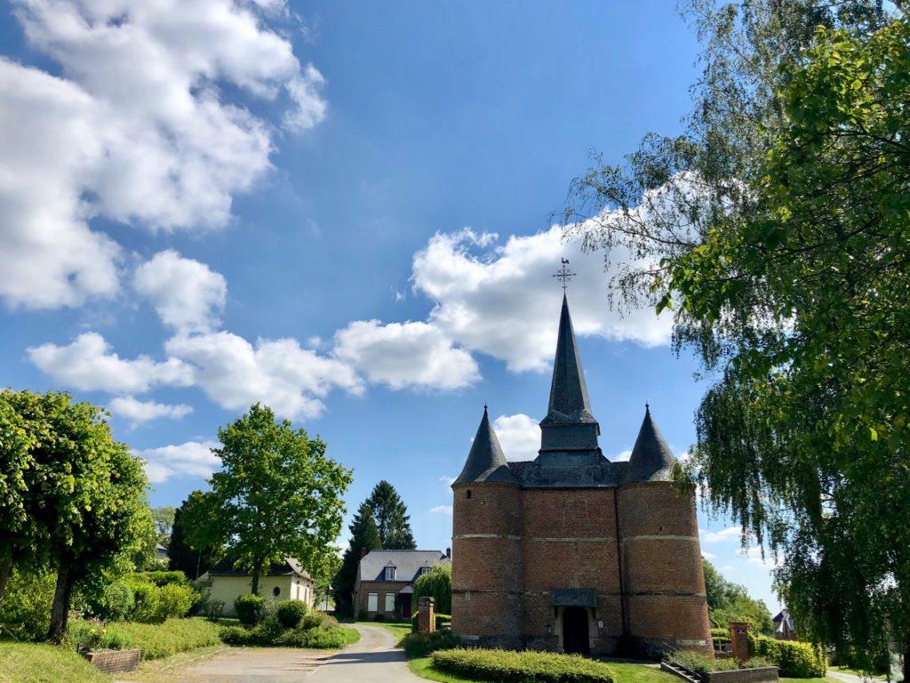 Eglises-fortifiees-Thierache-Gronard-vue-de-loin