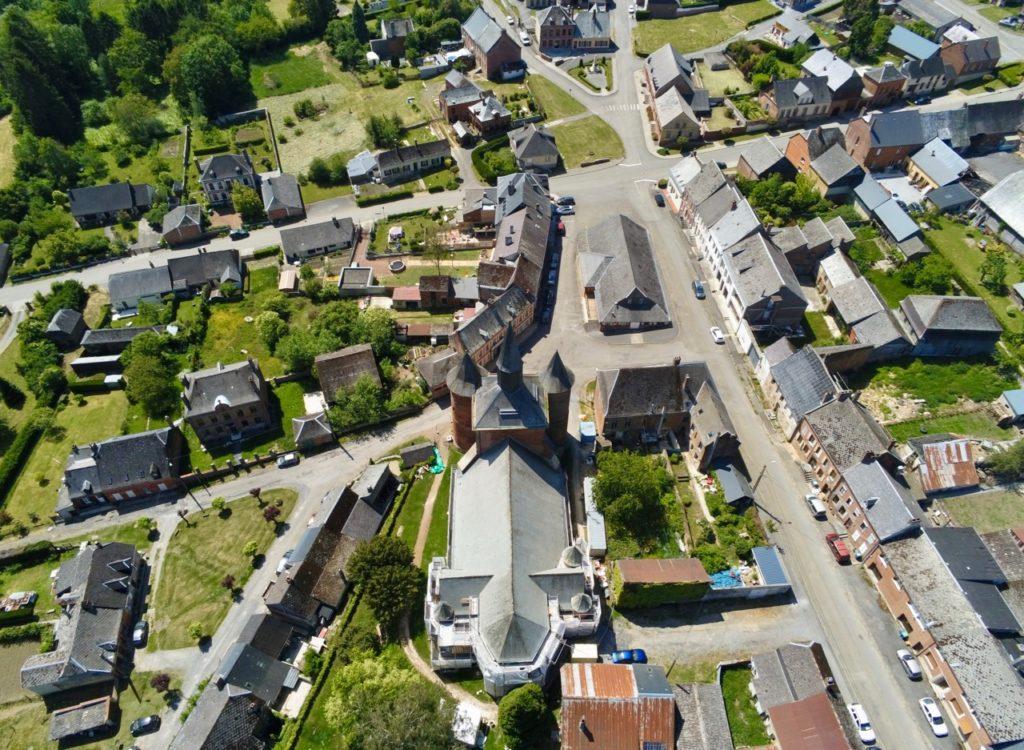 Eglises fortifiées de Thiérache Plomion arrière vue au drone