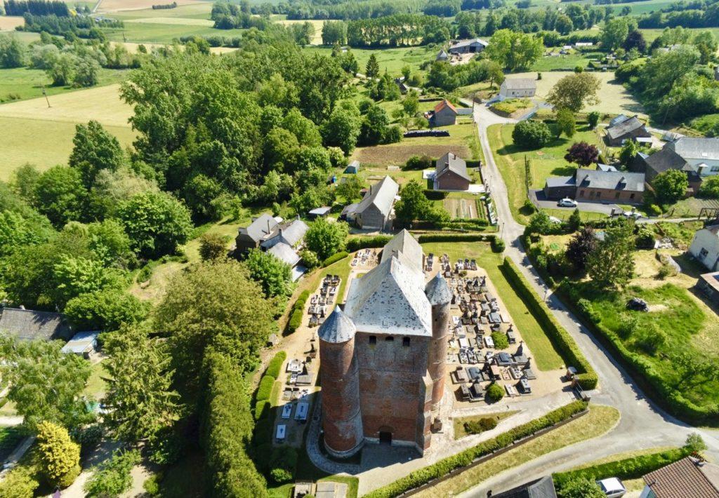 Eglises fortifiées de Thiérache Prisces vue au drone