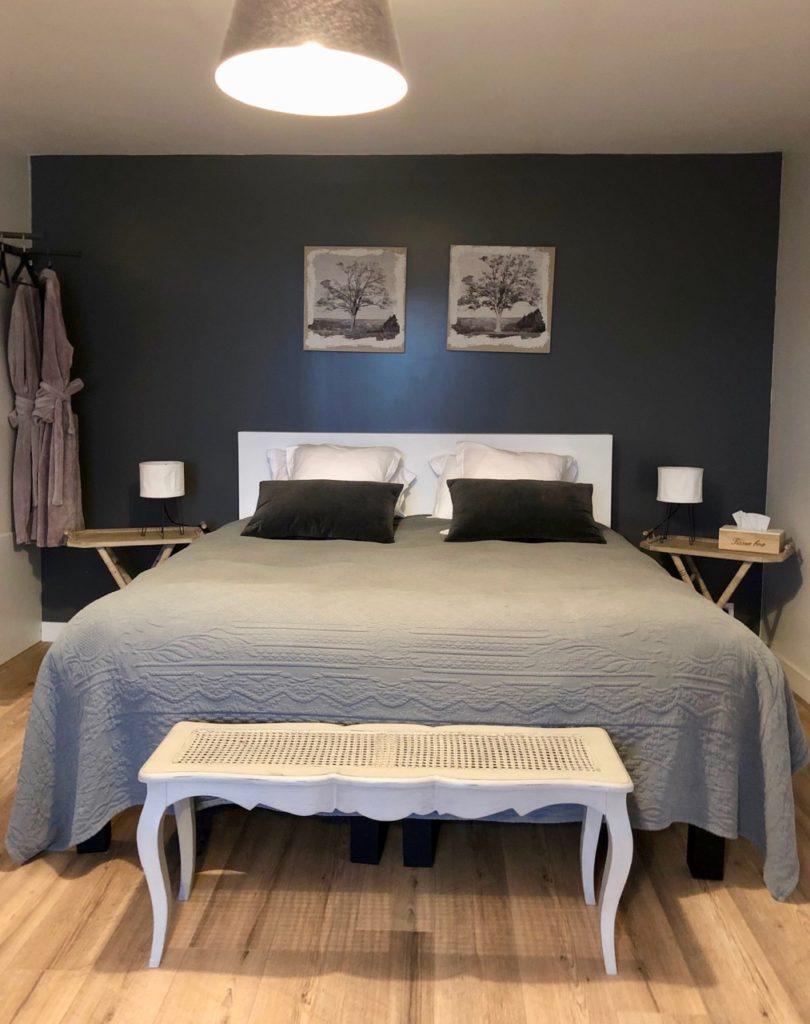 Herbes-folles-Steenwerck-chambre-charme-en-camapgne-lit
