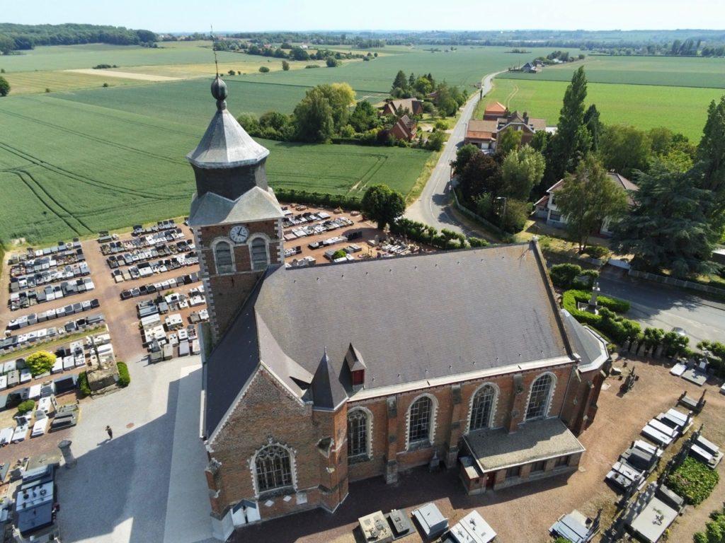 Village patrimoine Flandre Renescure église vue au drone