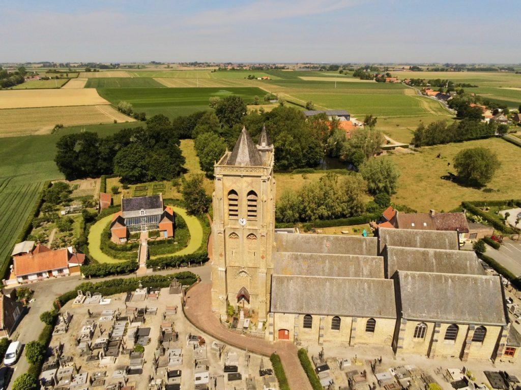 Rubrouck Flandre église vue au drone