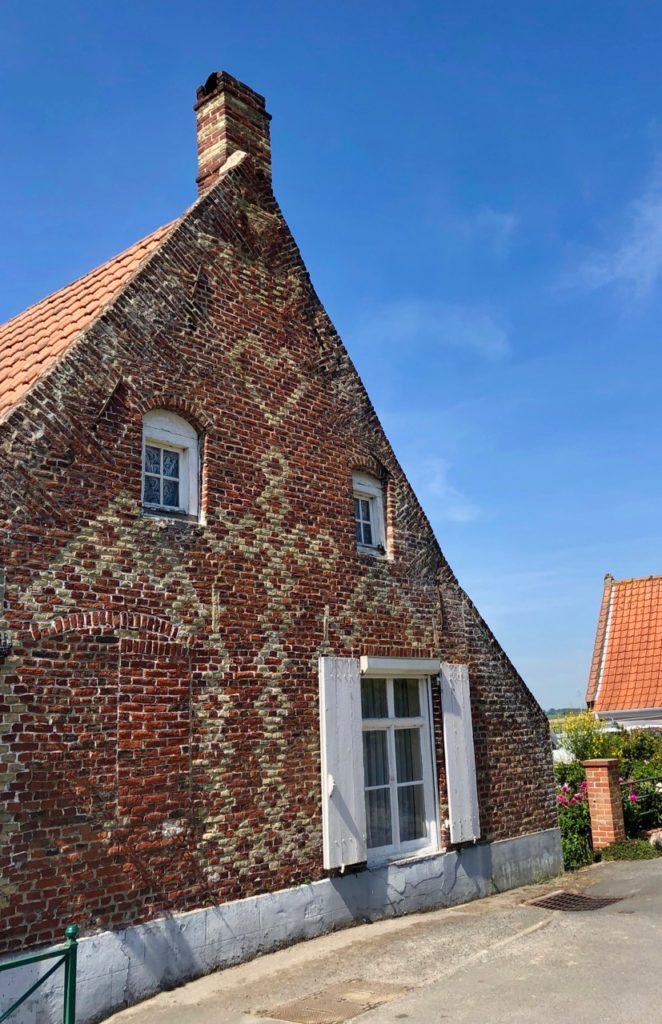 Village Patrimoine Rubrouck-Flandre-pignon-avec-coeur