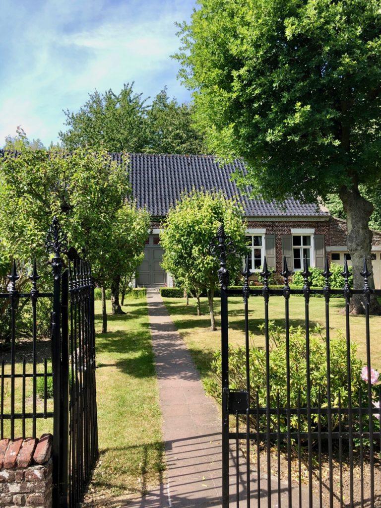 Volckerinckhove-Flandre-maison-portillon-fer-forge
