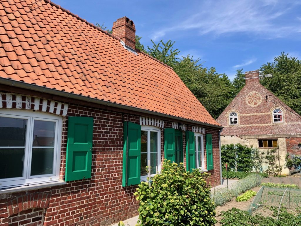 Village Patrimoine Volckerinckhove-Flandre-maison-volets-verts