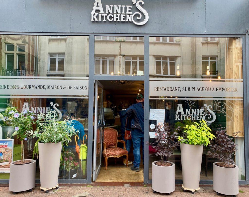 Annie'S-Kitchen-facade-largeur