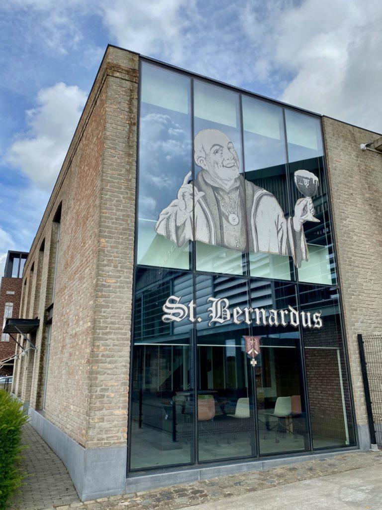 Bar-Bernard-by-St-Bernardus-exterieur-brasserie