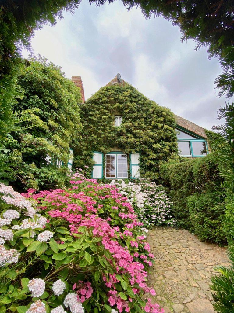 Cassel-Jardin-du-Monts-des-Recollets-arche-verdure