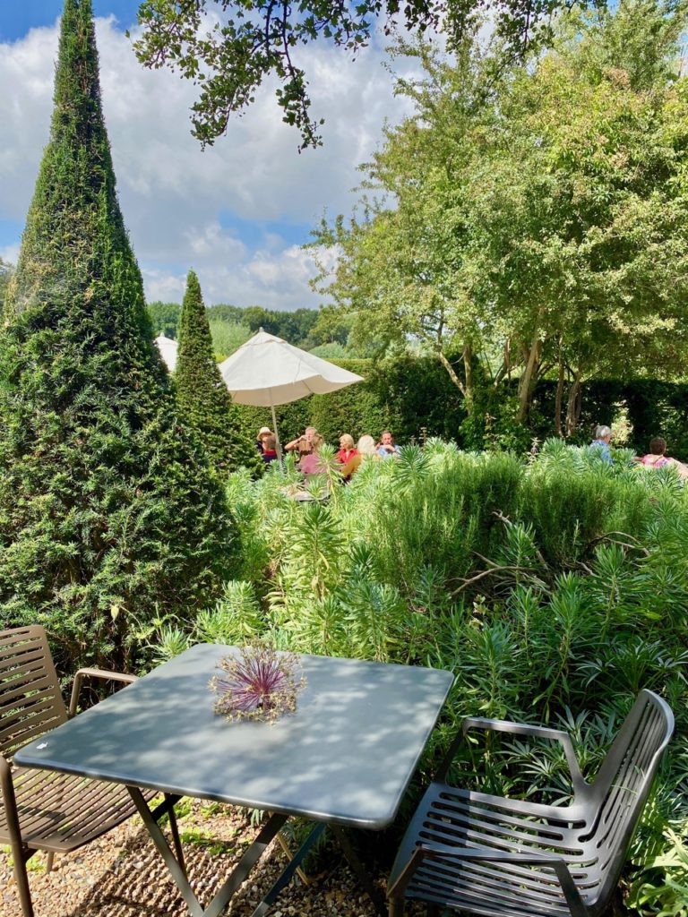 Cassel-Jardin-du-Monts-des-Recollets-dejeuner-jardin