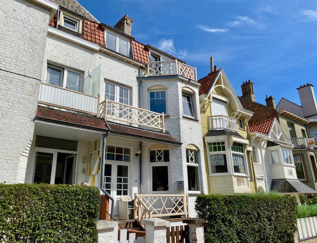 La-Panne-Belgique-jolie-rue