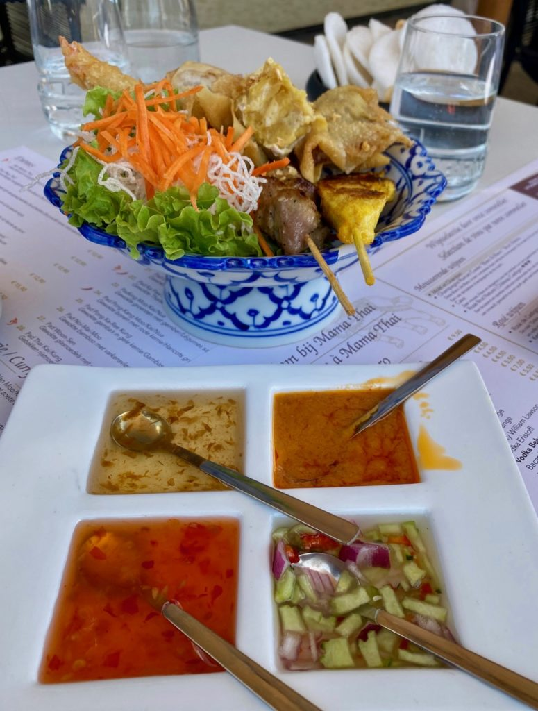 La-Panne-Mama-thai-bouquet-entrees