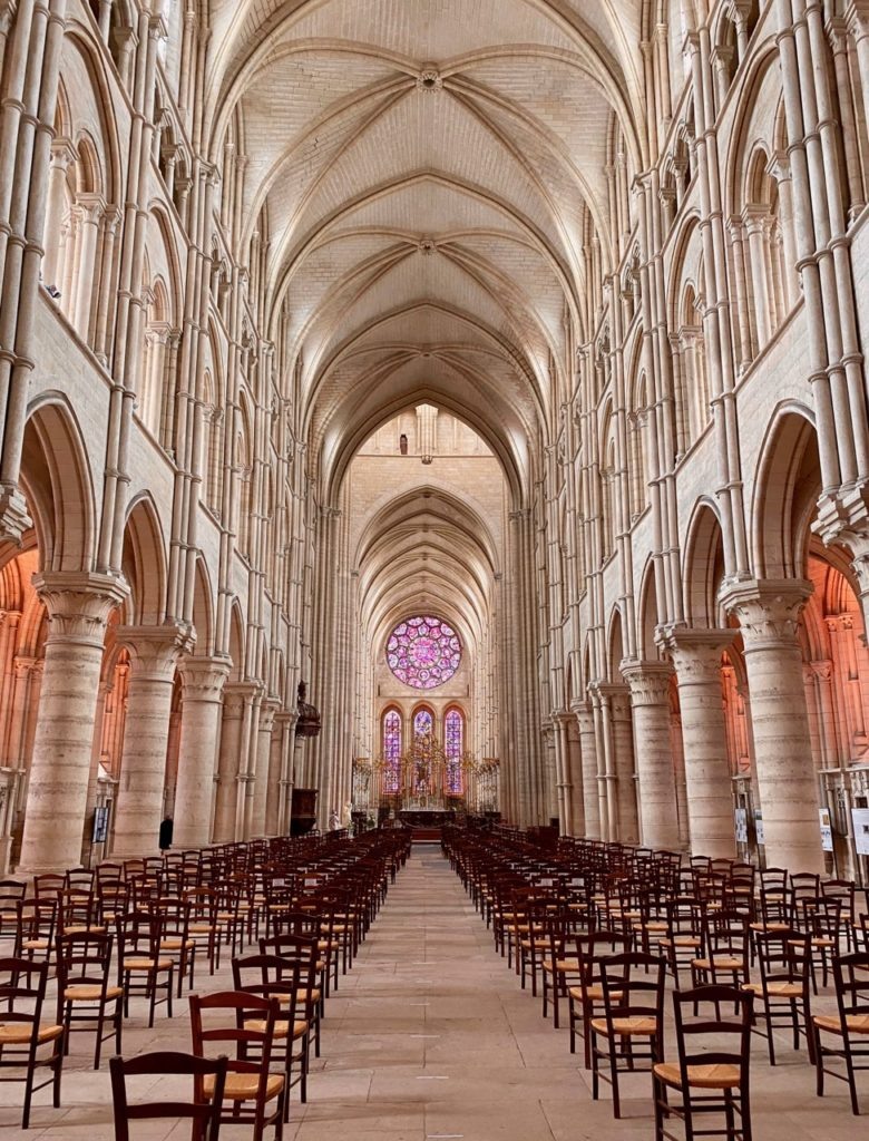 Laon-interieur-cathedrale