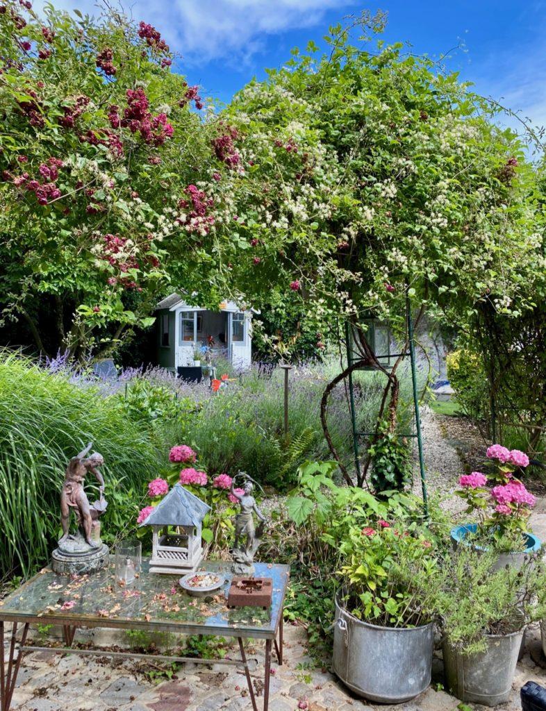 Montreuil-sur-Mer-bed-and-breakfast-rue-Pierre-Ledent-jardin