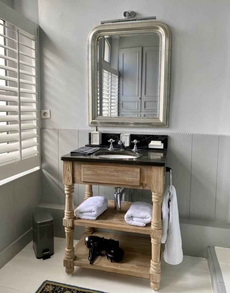 Montreuil-sur-Mer-bed-and-breakfast-rue-Pierre-Ledent-salle-de-bains