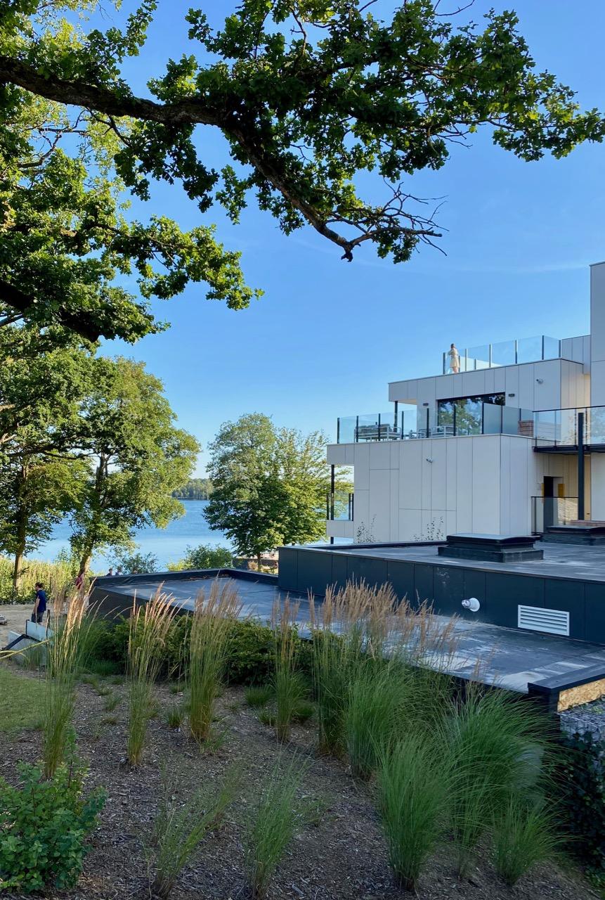 Pays-des-Lacs-Lacs-de-l-Eau-d-Heure-Golden-Lakes-hotel-vue-lac