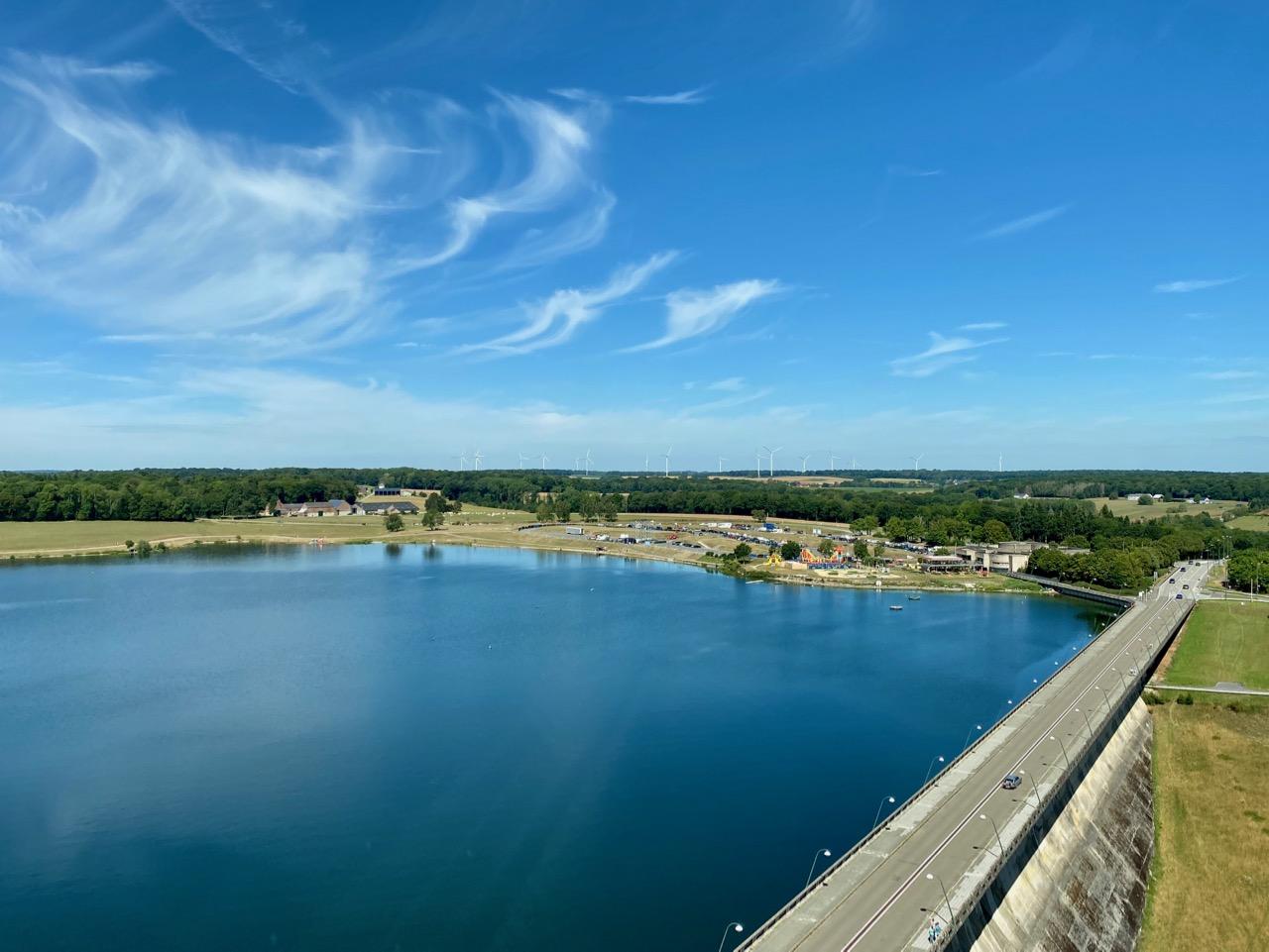 Pays-des-Lacs-Lacs-de-l-Eau-d-Heure-barrage-vu-de-haut