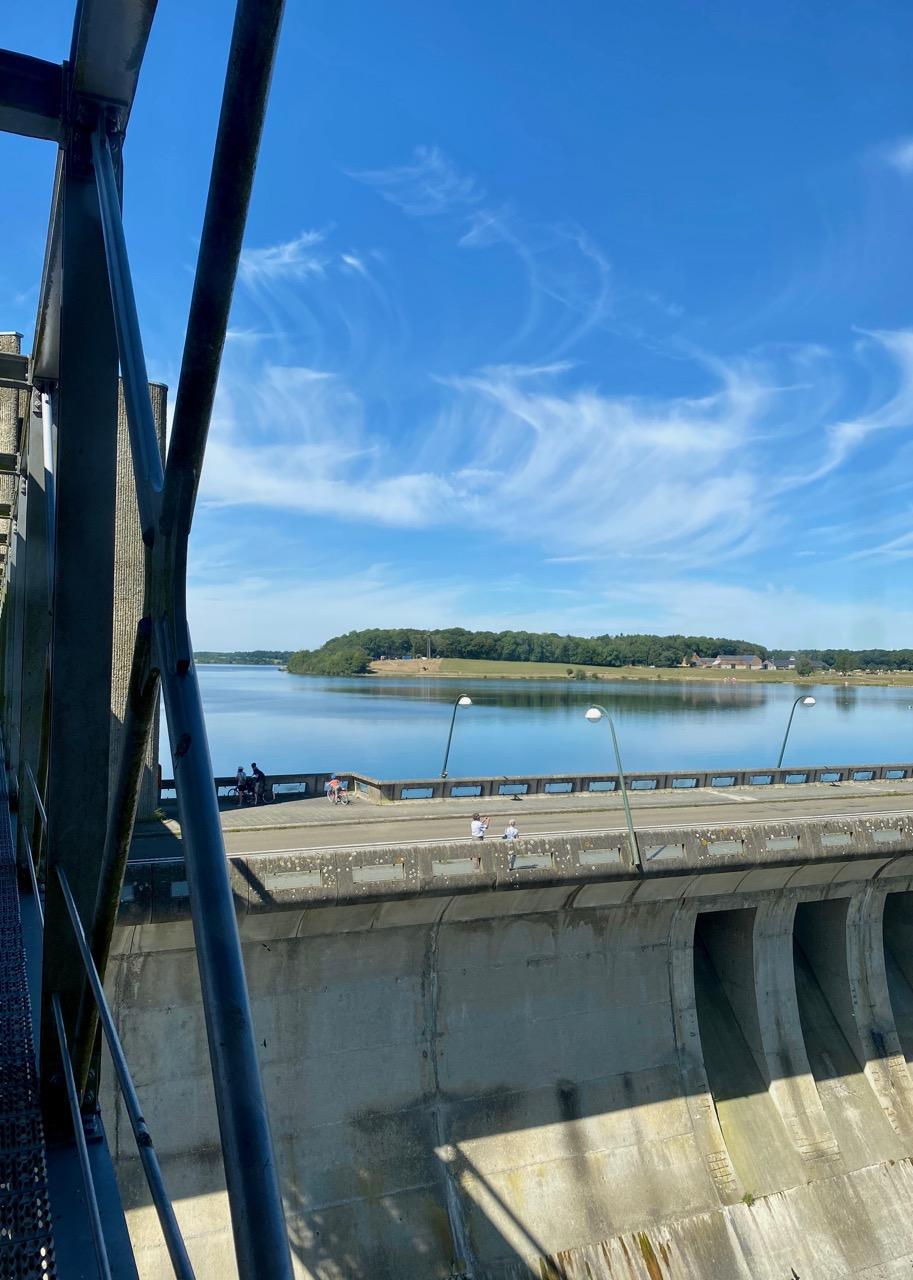 Pays-des-Lacs-Lacs-de-l-Eau-d-Heure-barrage