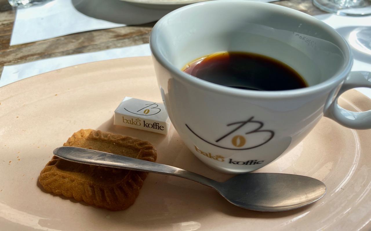 Estaminet-Het-Kasteelhof-Cassel-cafe