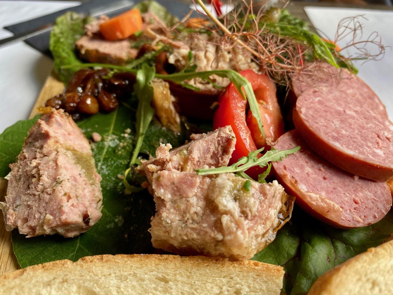 Estaminet-Het-Kasteelhof-Cassel-planche-aperitive
