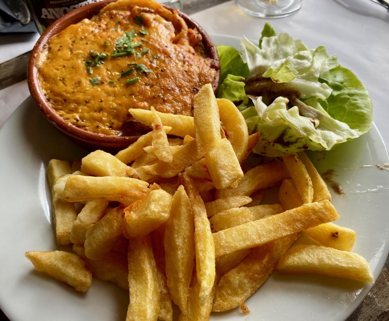 Estaminet-Het-Kasteelhof-Cassel-welsch-saumon