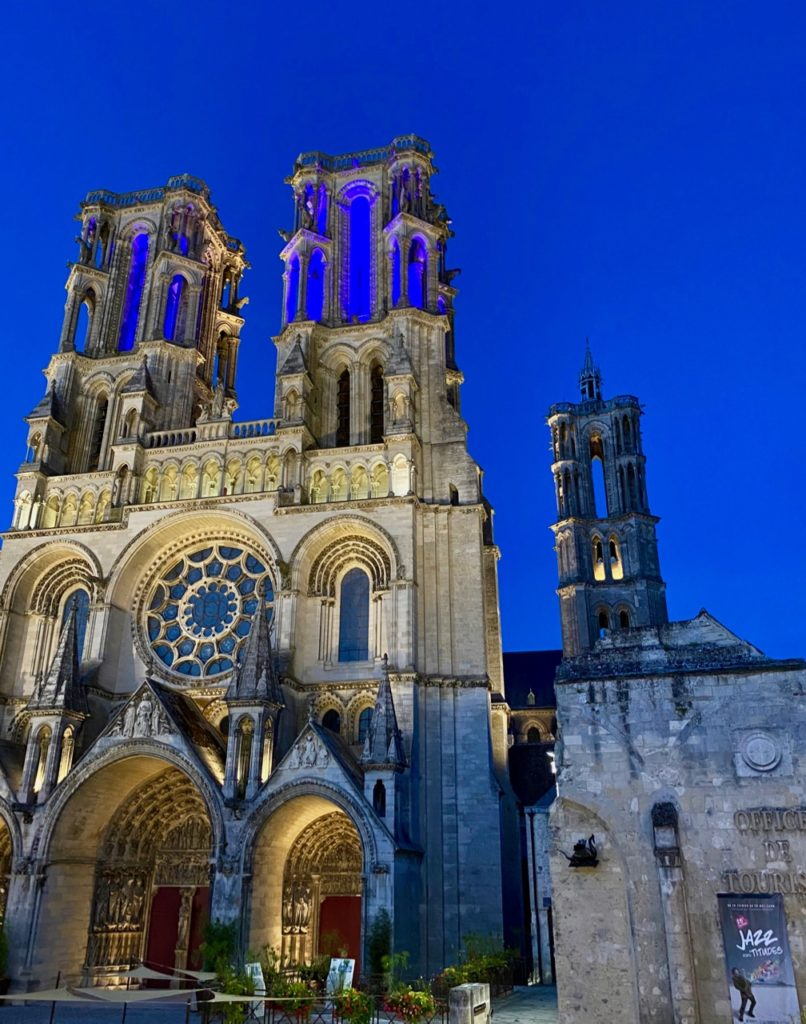 Laon-cathedrale-soir