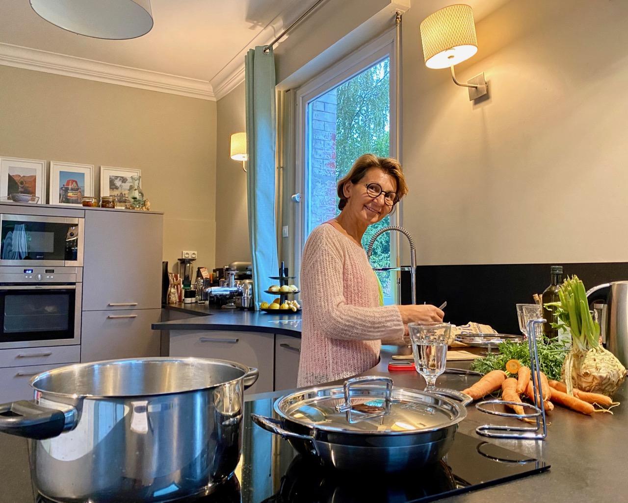 Chambres-d-hotes-Plumes-et-Coton-Ecurie-Virginie-en-cuisine