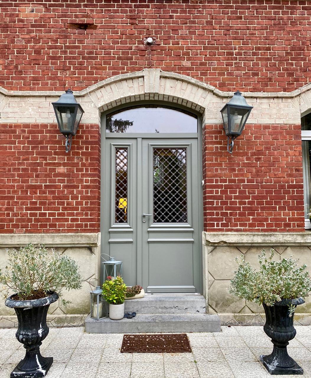 Chambres-d-hotes-Plumes-et-Coton-Ecurie-porte