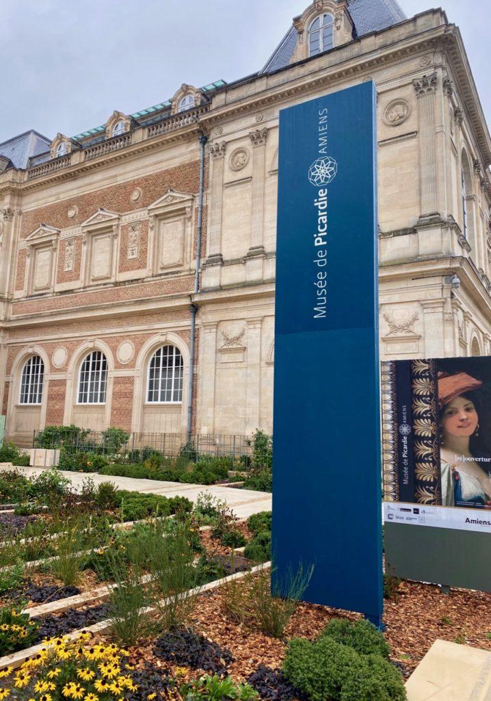 Amiens-Musee-de-Picardie-jardin