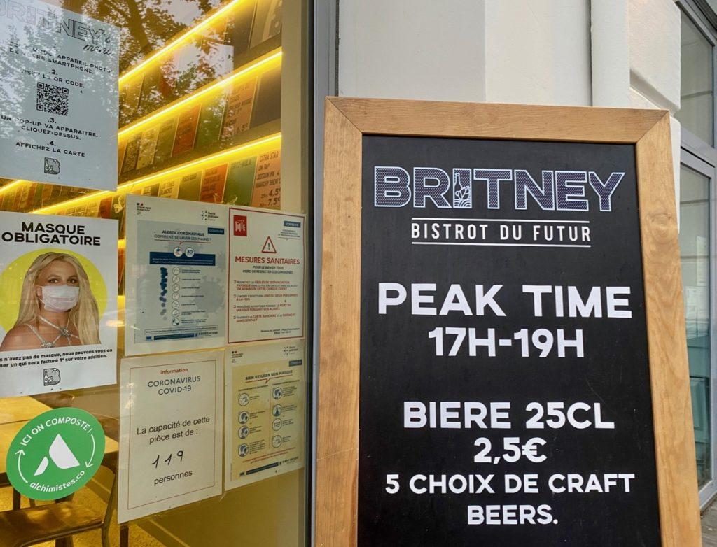 Britney-Lille-porte-tableau