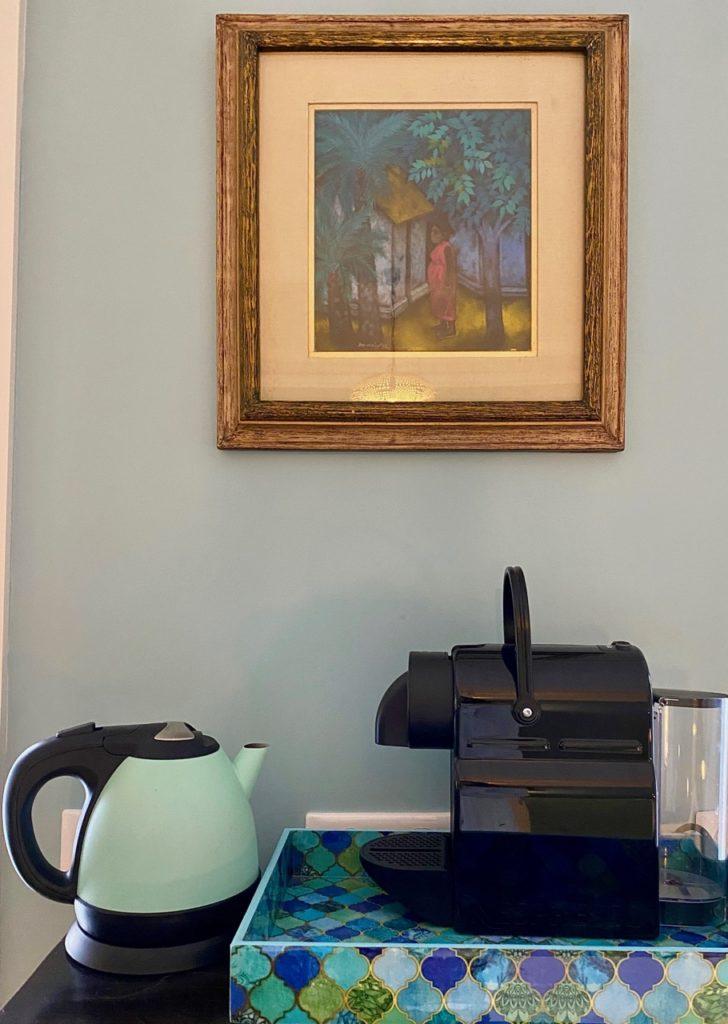 Les-Chambres-du-Palais-Douai-chambre-Turquoise-coin-cafe
