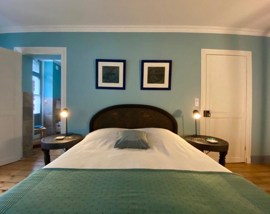 Les-Chambres-du-Palais-Douai-salle-de-bain-chambre-Turquoise