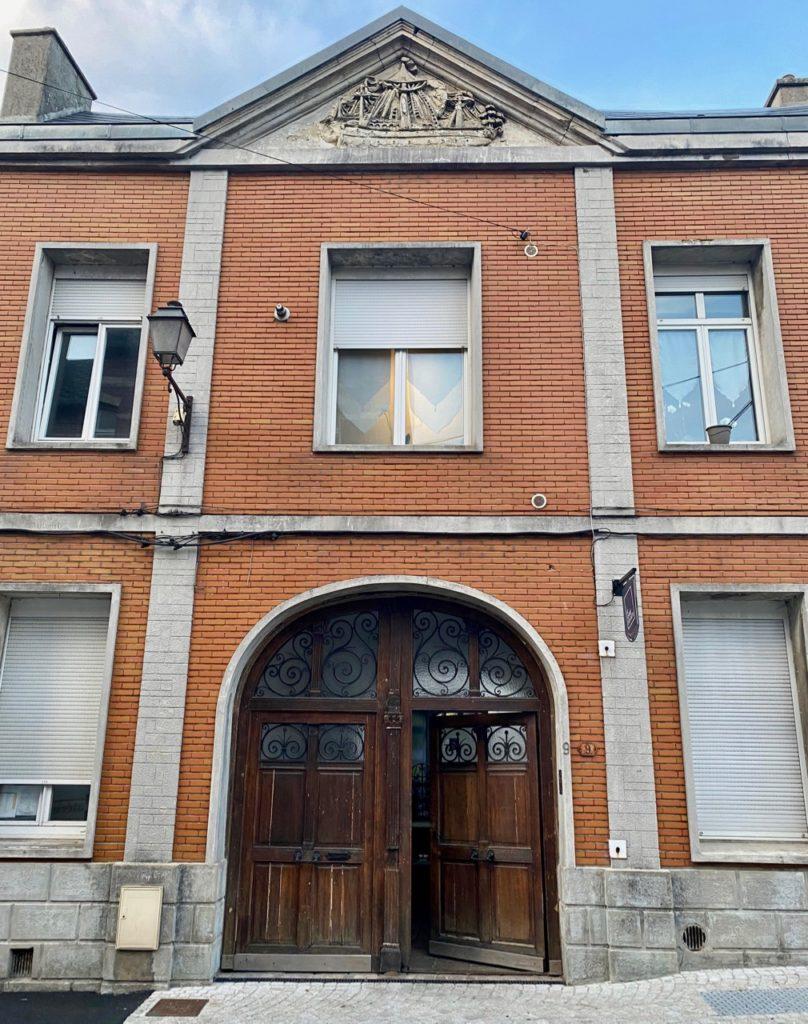 Maison-d-hotes-Le-Carre-des-Arts-Le-Cateau-facade