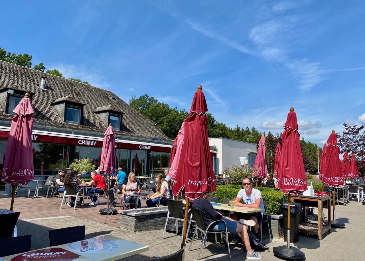Pays-des-Lacs-Chimay-Auberge-de-Poteaupre-terrasse