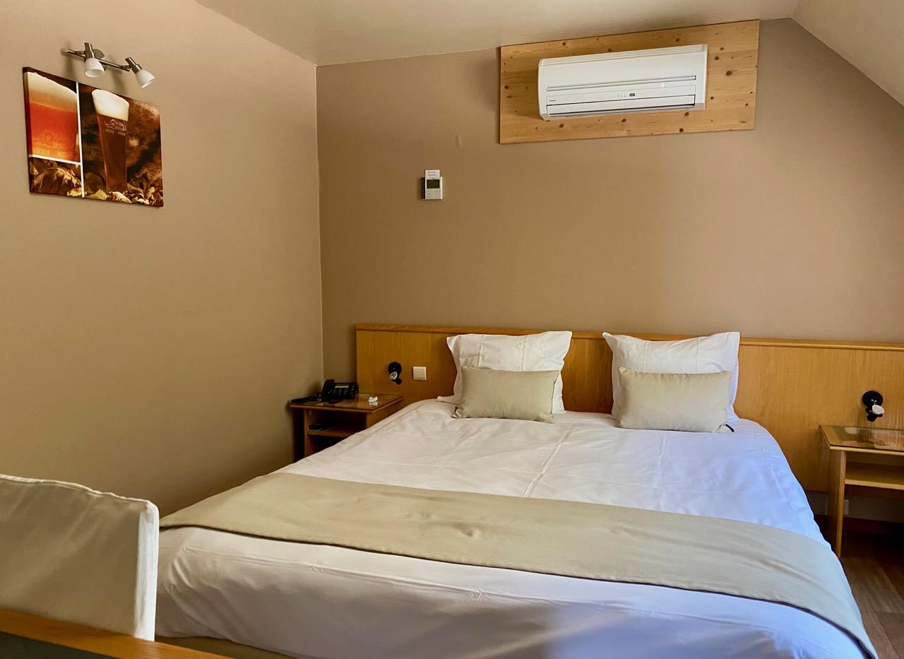Pays-des-Lacs-Chimay-hostellerie-chambre