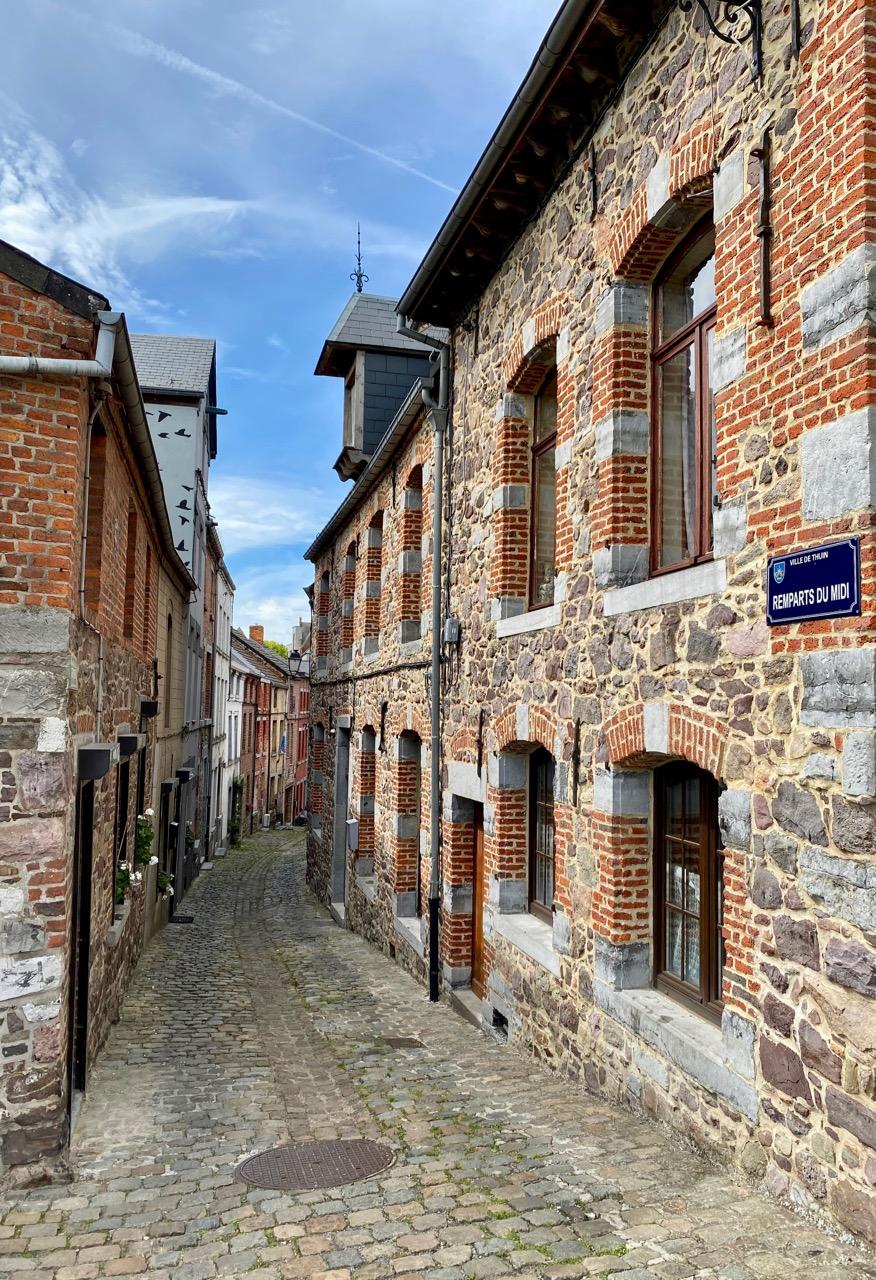 Pays-des-Lacs-Thuin-jolie-rue