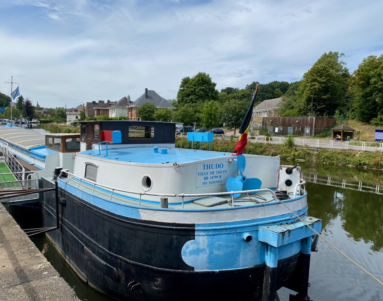 Pays-des-Lacs-Thuin-quartier-des-bateliers-bateau